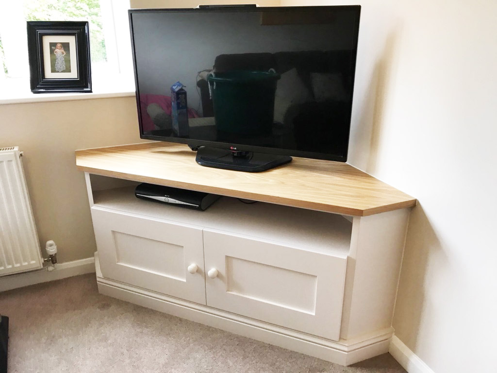 fitted media storage