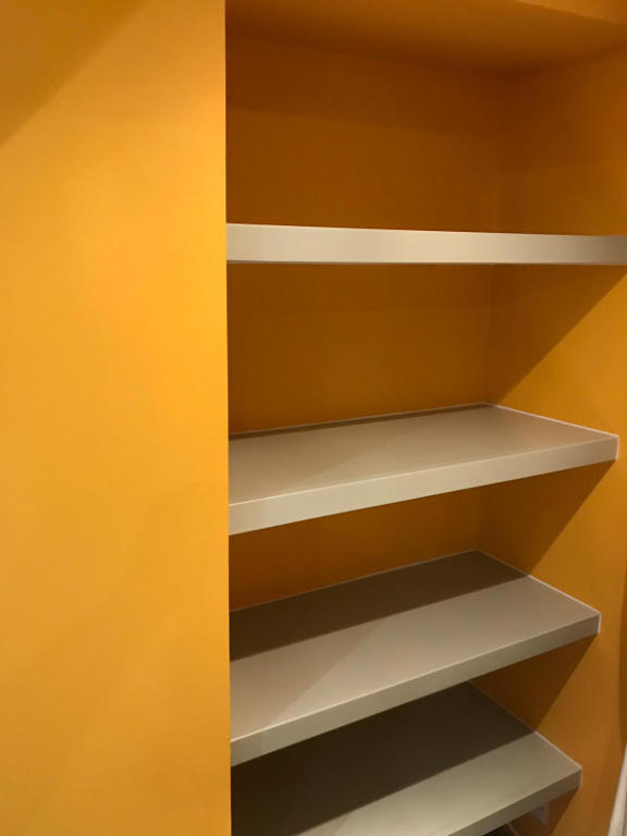 Floating alcove shelves